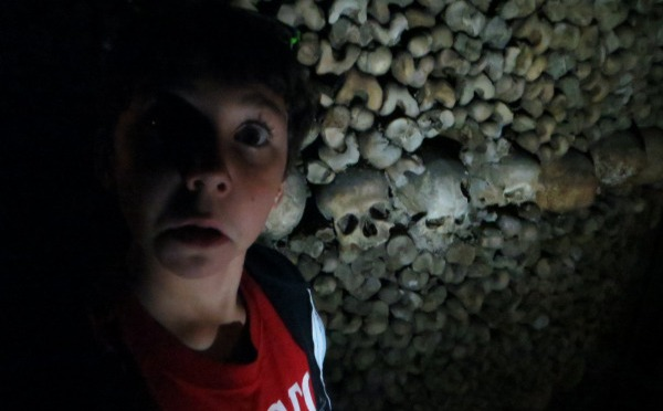 Creep through the Catacombs under Paris
